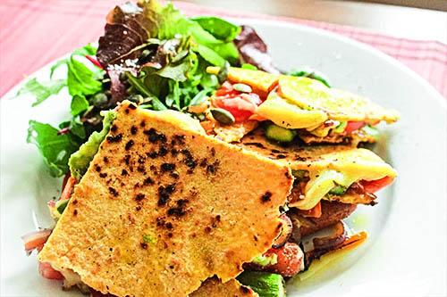 Quesadillas Veganas con queso de papa - HolaVegan