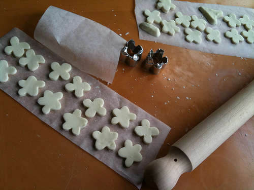 cortapastas caseros con velas de té