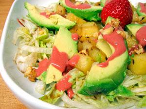 Ensalada frutal con vinagreta cremosa de fresas - Cocina con Luz Verde
