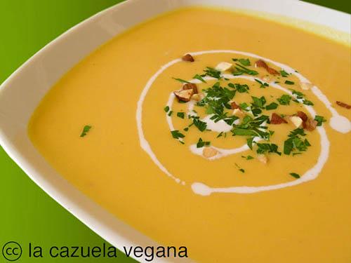 Crema fría de calabaza, jengibre y almendras - La Cazuela Vegana
