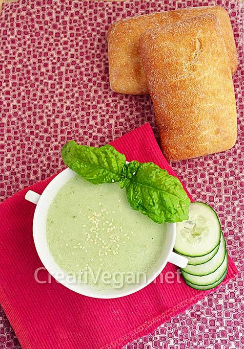 Sopa de pepino y albahaca - CreatiVegan