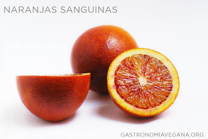 Naranjas sanguinas - Frutas de temporada en enero - GastronomiaVegana.org