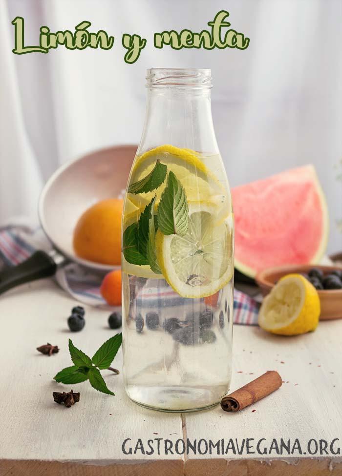 Alimentos y platos veganos para hidratarnos en verano