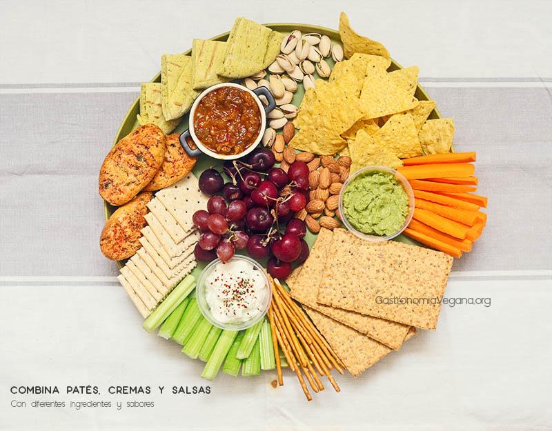 Tabla de patés y salsas vegetales con verduras, frutos secos y frutas - GastronomiaVegana.org