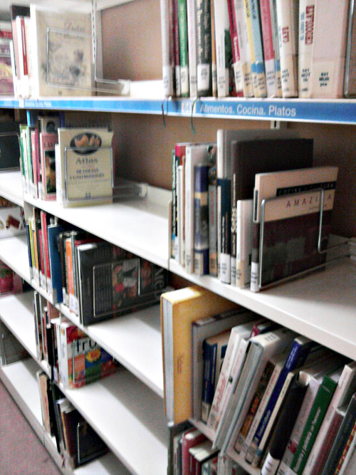 Libros de cocina en la biblioteca